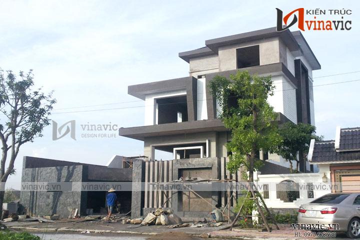 Hoàn thiện công trình biệt thự 3 tầng hình khối phá cách TCBT1683